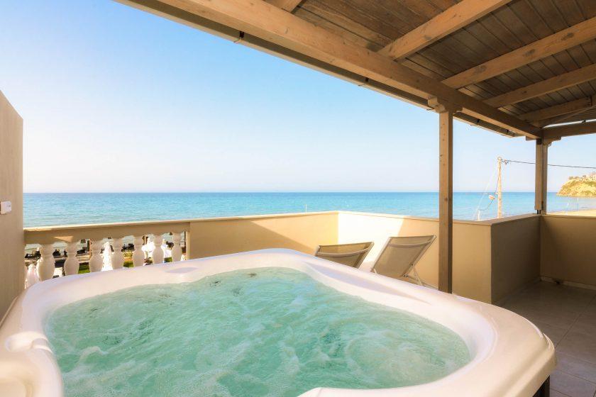 iakinthos - tsilivi beach-front hotel - appartement avec une chambre
