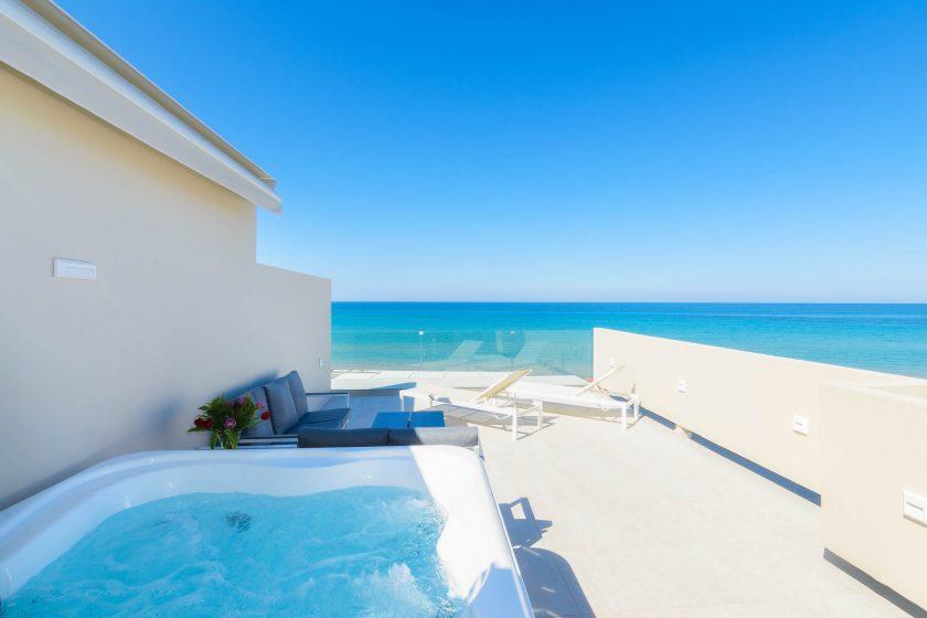 iakinthos - tsilivi beach-front hotel - luxury suite