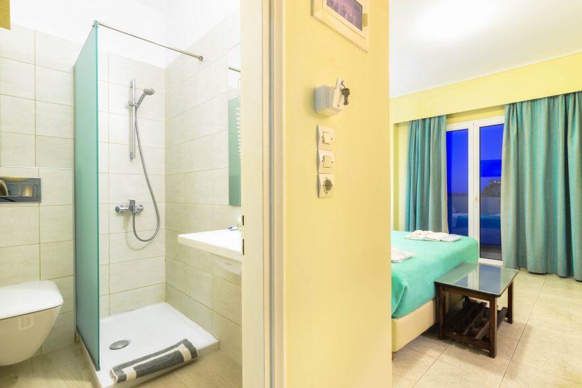 iakinthos - tsilivi beach-front hotel - standard double room